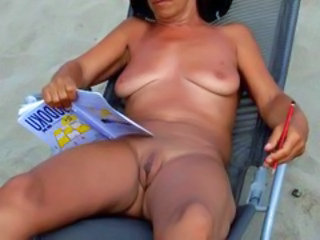 Amateur Beach Mature Nudist Outdoor Pussy SaggyTits Shaved