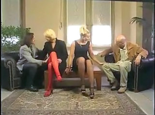 Sex in grup MILF Swingers De epoca
