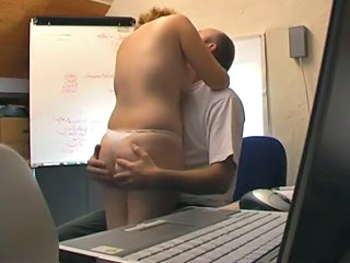 Amateur British Kissing Office
