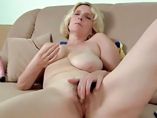Big Tits Bus Masturbating Mature Natural Pussy SaggyTits