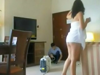 Flashing Chum around with annoy Hotel Cleaner