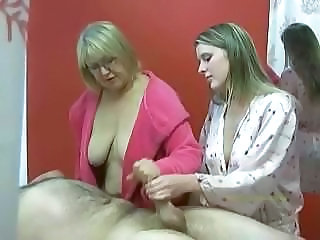 Handjob Massage Old and Young Threesome