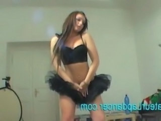 Dancing Skinny Skirt Teen Webcam