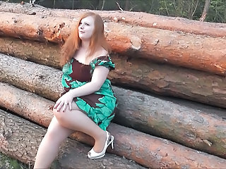 Amateur Chubby Girlfriend Outdoor Redhead