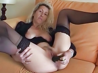 Masturbating Mature SaggyTits Stockings Toy