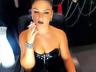 MILF Smoking Webcam