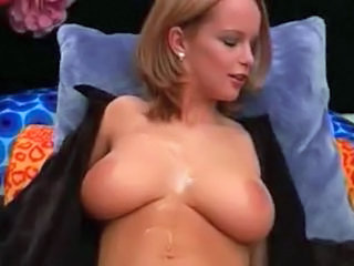 Amateur Amazing Natural Oiled SaggyTits Teen