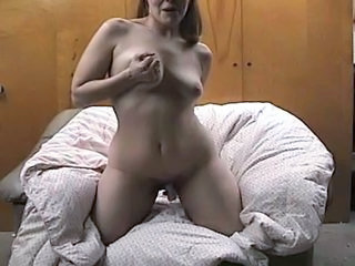 Amateur Masturbating MILF SaggyTits Solo Toy