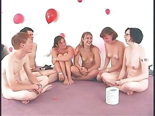 Amateur Game Party Young