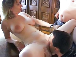 Amateur Cuckold Licking MILF SaggyTits Threesome Wife