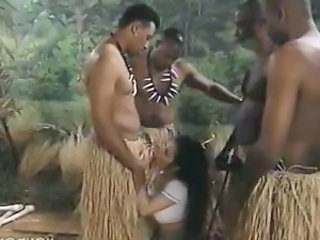 Blowjob Fantasi Gangbang Interracial Utendørs Vintage
