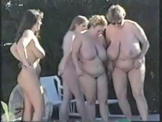 Amateur BBW Big Tits MILF Outdoor Pool SaggyTits