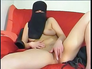 Arab Masturbating Webcam