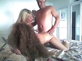 Amateur Daddy Daughter Family Homemade Long hair Mom Old and Young Threesome