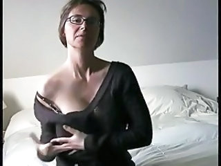 Glasses MILF Webcam