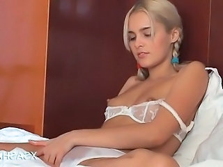 Cute Lingerie Masturbating Solo Teen