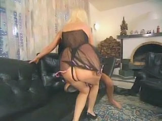 German Mature Anal casting 2...