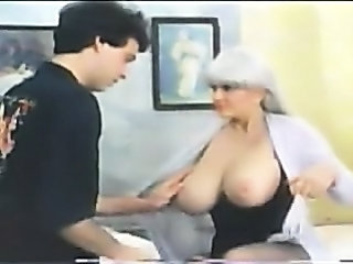Big Tits Mature Mom Natural Old and Young Vintage