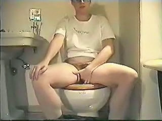 Amateur Homemade Masturbating Sister Toilet