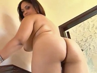 Ass Chubby Latina MILF