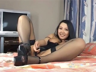 Asian Babe Dildo Solo