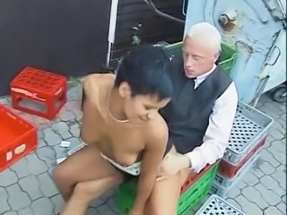 German Hardcore MILF Outdoor Riding