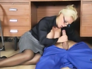 Office Milf wanks off her handymans heavy jizz tool