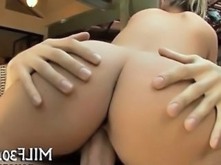 Ass MILF Riding