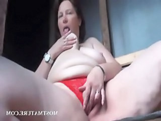 Masturbating Mature Outdoor