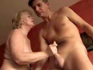 Amateur German Granny Handjob