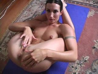 Flexible milf solo pleasure