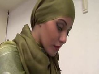 Arab Babe Couch Fuck