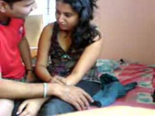 Www.amaderforum.c noida colg loverz scandal wid hindi...