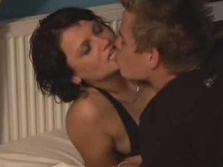 Amateur Brunette Swingers