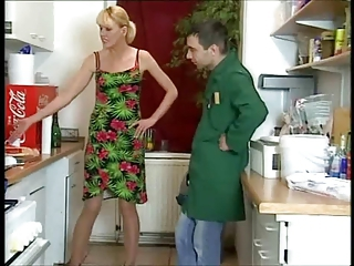German Housewife Devours The Plu...