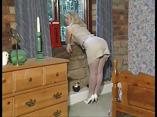 British Slut Sammy Plays With He...