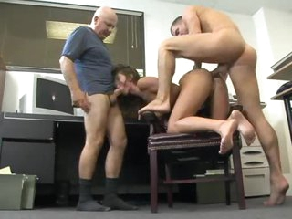 Naomi Russell sucks cock during anal
