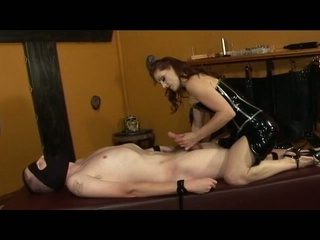 Mistress gemini shows her slave the meaning of pain