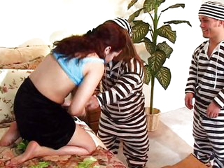 Midget prisoners nailed the housewife