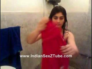 Sweet Sexy Pakistan new married Rida Khan Bathing n drssing