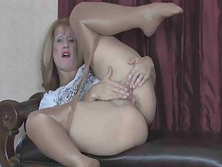 Mature sammy in a long self masturbation in sheer pantyhose thenylonchannel
