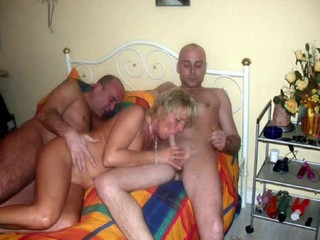 Amateur Blonde Blowjob Hardcore Mature Threesome