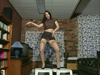 British slut Jade plays...