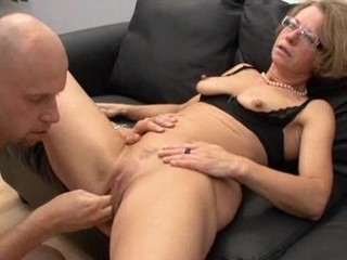 Amateur Clit Fisting Glasses Mature Pussy SaggyTits Shaved