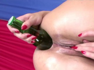 Alysa got a bottle in her ass _: anal gaping russian