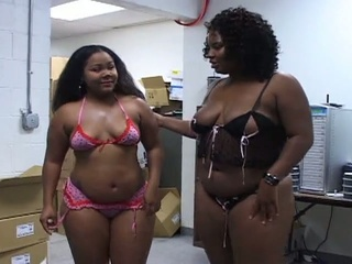 Thick Horny Ebony Babes Sharing A White Cock