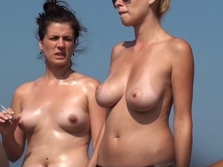 Beach Girls 22