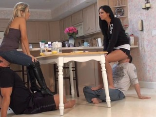 Facesitting Kitchen Licking Pornstar