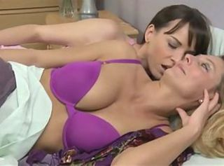Women Want Women 22 _: lesbians matures old+young