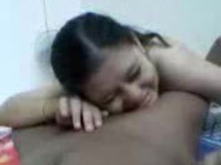 malay college gal shy suck bf...